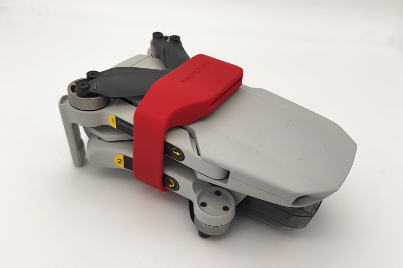Фиксатор лопастей дрона для перевозки